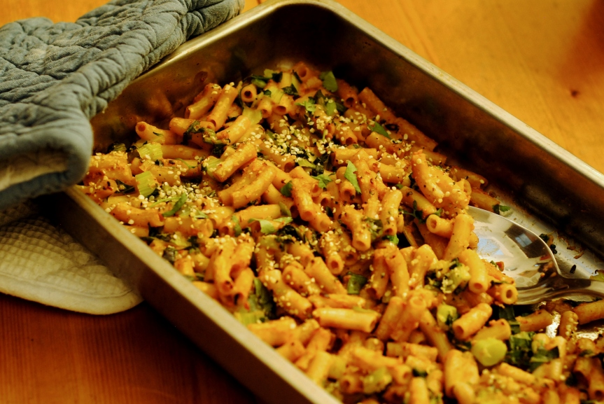 Hartverwarmende Pasta uit de Oven met Zoete Aardappel en Paksoi (vegan englutenvrij)