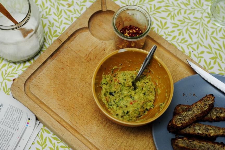 Geroosterde Courgette Dip met Zongedroogde Tomaatjes (vegan englutenvrij)